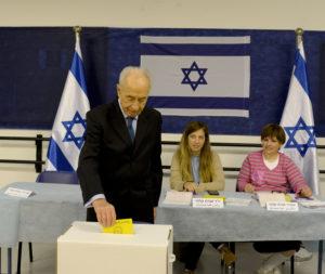President Shimon Peres Votes